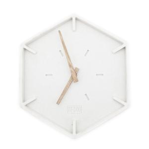 Justin Time- Hexagon Klok By Boo Bergsma Meubelen Gorredijk Meubelshow
